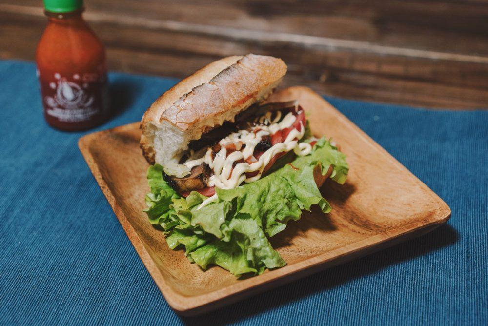 獲った猪肉で作ったサンドイッチがめちゃめちゃ美味い