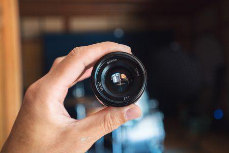 安価なレンズ『PERGEAR 35mm F1.2』で撮る映像と写真 のクオリティ