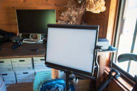 室内撮影に必須のNEEWERの激安LEDライトを購入!