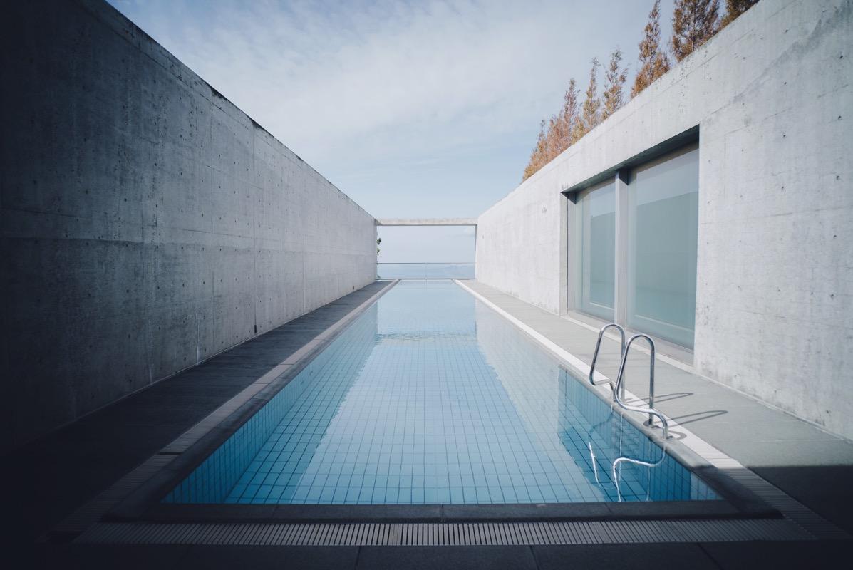 安藤忠雄による建築・設計の全室スイートホテル「瀬戸内リトリート青凪」に宿泊してきました
